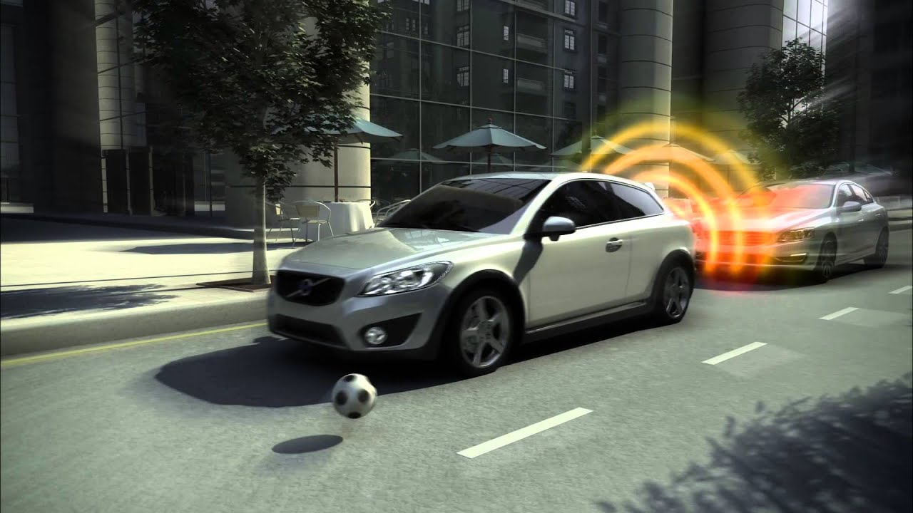 city-safety-volvo-s90-2021